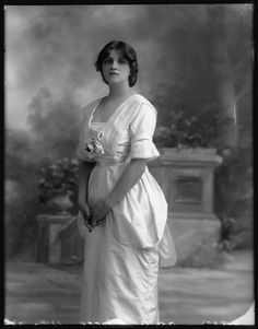 Gladys Cooper, 1912. Source: National Portrait Gallery.