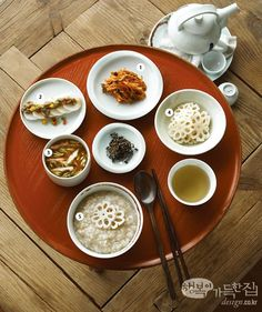 행복이가득한집 Design your lifestyle 사찰 음식으로 차린 치유의 밥상 심혈관 질환에 도움 되는 식단 Korean Food, Food Pictures, Food Styling, Asian Recipes, Food Art, Vegan Vegetarian, Food And Drink, Cooking Recipes, Lunch