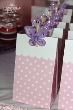 Favor bags: these are so cute! Butterfly 1st Birthday, Butterfly Baby Shower, Fairy Birthday, Birthday Favors, First Birthday Parties, Butterfly Party Decorations, Butterfly Garden Party, Birthday Decorations, Butterfly Party Favors