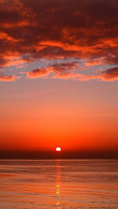 Red Sunset, Ocean Sunset, Beach Sunrise, Sunset Pictures, Cool Pictures, Sunset Iphone Wallpaper, Iphone Wallpapers, Widescreen Wallpaper, Sunset Landscape