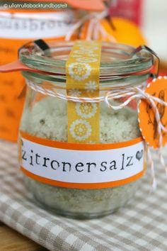 ullatrulla backt und bastelt: Brot und Salz, Gott' erhalt's   DIY für ein Geschenk zur Wohnungseinweihung