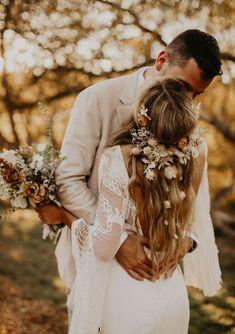 Wedding Veils With Hair Down, Wedding Hair Pieces, Wedding Hair And Makeup, Hippie Wedding Hair, Floral Wedding Hair, Flower Crown Wedding, Flower Wedding Dresses, Wedding Flower Hair, Rustic Wedding Hair