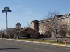 Butte (MT) Days Inn Butte United States, North America Set in a prime location of Butte (MT), Days Inn Butte puts everything the city has to offer just outside your doorstep. The hotel offers guests a range of services and amenities designed to provide comfort and convenience. Facilities like free Wi-Fi in all rooms, 24-hour front desk, facilities for disabled guests, family room, shops are readily available for you to enjoy. Comfortable guestrooms ensure a good night's sleep ...