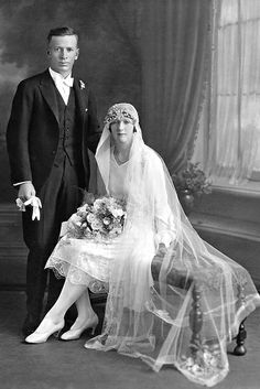 1930 Vintage Wedding Photography, Vintage Wedding Photos, Vintage Bridal, Vintage Weddings, 1930s Wedding, Country Weddings, Lace Weddings, Wedding Couples, Wedding Bride
