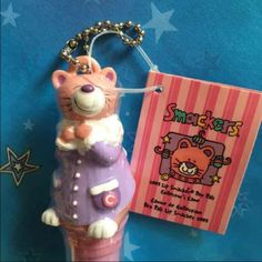 Lip Smacker Pet Pals Collectors Candy Cane Lip Smacker Pet Pals Collectors Candy Cane   Limited Edition  New & sealed   S'more Cupcake Hugs  Sugar n Spice Strawberry Kiwi Kiss Bonne Bell Makeup Lip Balm & Gloss