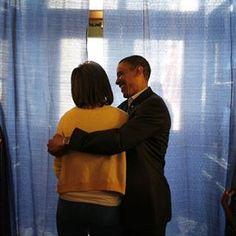 トランプ新大統領就任式までもう間もなくそれとともにオバマ氏の約8年にわたるアメリカ大統領の任期が終わろうとしているオバマ氏といえばミシェル夫人とカップルとしても国民的人気を誇っていただけに退任を惜しむ声があとを絶たないこれからもアメリカを代表するおしどり夫妻としてメディア出演してくれることを願ってエルオンラインではふたりのキュートでちょっとお茶目な瞬間を集めてみました @barackobama @michelleobama44 #barackobama #obama #michelleobama #ellejapan #elleonline #elle #unitedstates #  via ELLE JAPAN MAGAZINE OFFICIAL INSTAGRAM - Fashion Campaigns  Haute Couture  Advertising  Editorial Photography  Magazine Cover Designs  Supermodels  Runway Models