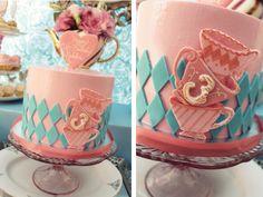 Alice no país das maravilhas bolos de aniversário