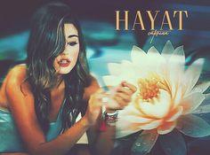 Hande Erçel Hayat And Murat, Hande Ercel, Popular Videos, Most Beautiful Women, Beautiful Actresses, Mona Lisa, Celebrities, Artwork, Movie Posters