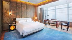 View deals for Park Hyatt Hangzhou. Luxury-minded guests enjoy the breakfast. WiFi and parking are free, and this hotel also features 3 restaurants. Suite Room Hotel, Bed In Living Room, Hotel Interiors, Deco, Room Interior, Interior Design, Yabu Pushelberg, Furniture, Home