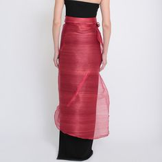 Ditta Sandico is a visionary fashion designer that embraces an ecological-friendly design and sustainable production process. Modern Filipiniana Dress, Maria Clara, Filipina, Closets, Feminine, Gowns, Philippines, Womens Fashion, Skirts