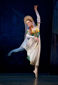 Uliana Lopatkina in Russian Dance