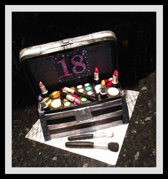 18 Suitcase, Modeling, Cake, Modeling Photography, Kuchen, Models, Torte, Briefcase, Cookies
