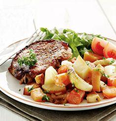 Porsaankyljykset ja juurekset uunissa | Maku Pot Roast, Cobb Salad, Beef, Ethnic Recipes, Food, Carne Asada, Meat, Roast Beef, Essen