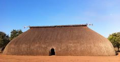 AMAZON/Xingú/  Kamaiurá oca, Xingú Indigenous Park, Mato Grosso, Brazil. The people of the Xingú tribes live in wood and thatch houses called ocas. Each oca houses a family of up to thirty people.