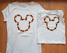 camiseta con botones. Mickey Mouse