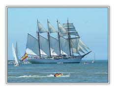 "School-ship ""Sebastian Elcano"" (Spain) at the Tall Ships Race 2006, leaving Lisbon for a leg to Cadiz."