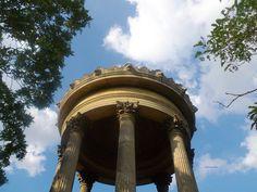 Petit temple du promontoire du Parc des Buttes-Chaumont