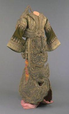 "Burma, Hta-mein (woman's skirt), composed of three parts, silk luntaya (""100"" interlocking tapestry weave) and cotton plain weave, ca. 1880"