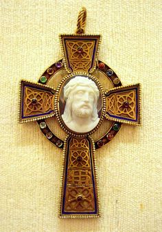 Cross pendant, Birmingham Museum, Gold with enamels with cameo, English mid 19th c