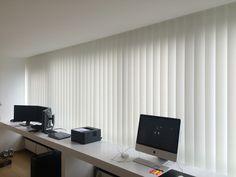 Verticale lamellen interieur raamdecoratie www.ldesigndecoratie.be