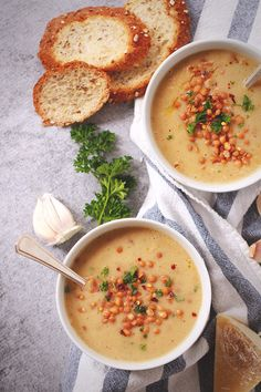 Spicy Roasted Garlic & Lentil Soup