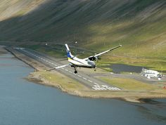 Extreme Airport Approach in Iceland! (HD)