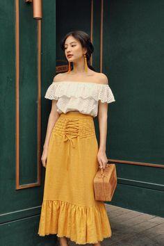 Gorgeous korean street fashion 993 Source by dress korean Korean Street Fashion, Korea Fashion, Asian Fashion, Look Fashion, Skirt Fashion, Fashion Models, Fashion Beauty, Fashion Dresses, Womens Fashion