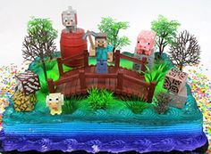 My brother and sister-in-law love their son very much. For my nephew's seventh birthday they spent several days designing and building this creative Minecraft cake and goodies. I was blown away and had to share their creation. Themed Birthday Cakes, Themed Cupcakes, Fun Cupcakes, Birthday Cake Toppers, Birthday Cupcakes, 7th Birthday, Birthday Party Decorations, Birthday Parties, Minecraft Cake Toppers