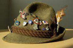 Rough brown-green moss Tyrolean hat.