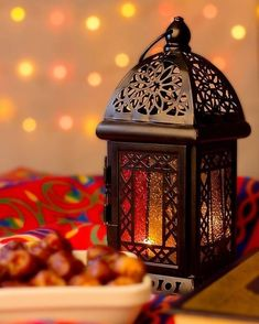 20 Peaceful And Calming Ramadan Lights Decoration - Styles & Decor Ramadan Wallpaper Hd, Ramadan Mubarak Wallpapers, Quran Wallpaper, Mubarak Ramadan, Islamic Wallpaper, Ramadan Kareem Pictures, Ramadan Images, Ramadan Wishes, Ramadan Greetings