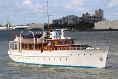 Classic Yachts, Classic Boat, Expedition Yachts, Ocean Cleanup, Cool Boats, Classic Motors, Yacht Design, Super Yachts, Wooden Boats