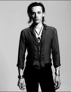 Reeve Carney/Dorian Gray in Showtime's #PennyDreadful, wearing Fablesintheair's Dragon Orb and Scissorhand Cuff @Sho_Penny Photo Credit: Helen White