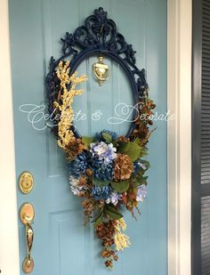 Use a Picture Frame for an Amazing Wreath - Celebrate & Decorate Picture Frame Wreath, Picture Frame Crafts, Picture Frame Decorating Ideas, Decorate Picture Frames, Fall Wreaths, Christmas Wreaths, Christmas Crafts, Ribbon Wreaths, Floral Wreaths