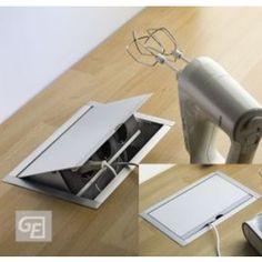 Stopcontact vloer inbouw - midden onder tafel in keuken.  Zoiets wil ik dus ook maken in mijn bankombouw.