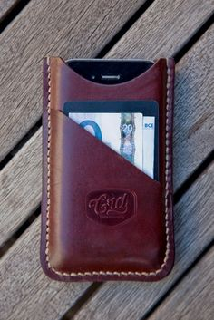 Mens Leather Wallet with Coin Pocket - All Currency Friend Iphone Leather Case, Leather Pouch, Leather Tooling, Leather Purses, Leather Art, Custom Leather, Leather Design, Pochette Portable, Crea Cuir