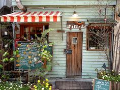 You could open a takeout cafe this size out of an old garage or tool shed.You could open a takeout cafe this size out of an old garage or tool shed. Cafe Shop, Cafe Bar, Cafe Restaurant, Cafe Interior, Interior And Exterior, Bistro, Cafe Style, Small Cafe, Shop Fronts