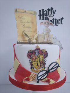 Tarta de cumpleaños en Palma de Mallorca Macarons, Cumpleaños Harry Potter, Cupcakes, Chocolate, Facebook Sign Up, Donuts, Menu, Birthday Cake, Desserts