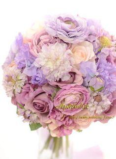 ウエディングブーケ専門ショップ・アフロディーテ(Wedding Bouquet Aphrodite) 「ラベンダー+パープル」の綺麗系ブーケ