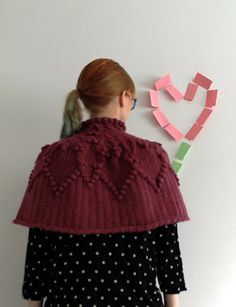 MMMay day 25, knitted cape Knitted Cape, Knits, Knit Crochet, Knitting, Diy, Vintage, Tricot, Bricolage, Breien