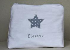 Y para éste la estrella y el nombre en tonos grises