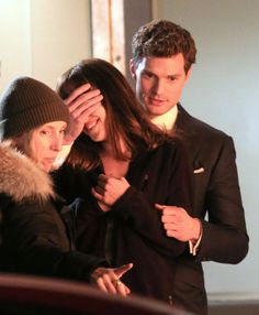 Fifty Shades Of Grey: Jamie Dornan And Dakota Johnson Film Surprise Present Scene - Celebrity Gossip, News & Photos, Movie Reviews, Competit...