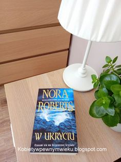"""Nora Roberts """"W ukryciu"""" Nora Roberts, Trauma, Letter Board, Lettering, Books, Literatura, Libros, Book, Drawing Letters"""