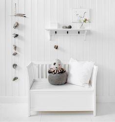 Styling for Oliver Furniture_bench storage / Nordisk Rum by Pernille Grønkjær Taatø / www.blog.nordiskrum.dk