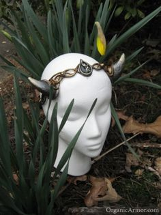 Faun crown inspiration. Maybe with some flexible, gnarly-lookin' wood.