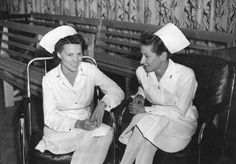 American nurses stationed in Melbourne during WWII