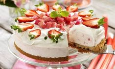 Cupcake Tutorial, Baking Cupcakes, Cheesecakes, Just Desserts, Baking Recipes, Gluten, Sweets, Glass, Tutorials