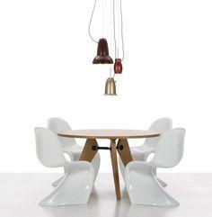 Empório Country Móveis: Cadeira Panton Design