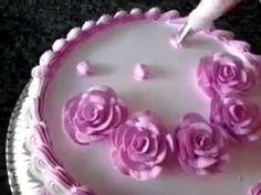Como Fazer Rosas de Chantilly utilizando bico 1M Wilton - YouTube