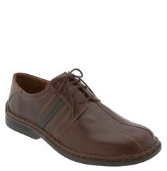 lace up oxford shoe
