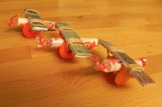 Smarties Airplane Craft by @MommaDandDaBoyz  #DIY